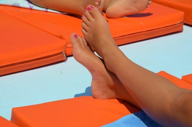 feet-605881_960_720